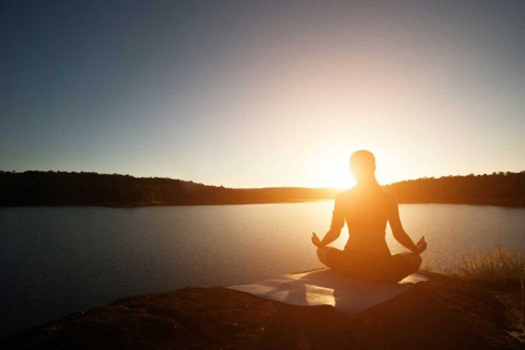 مراقبه یا مدیتیشن راهی مؤثر در کاهش استرس است.